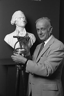 Silvio Bedini with bust of Thomas Jefferson 1981.jpeg