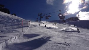 File:Skiing in Engelberg Titlis.webm