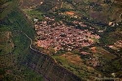 Sobrevolando Colombia - Barichara Santander (8203504667).jpg