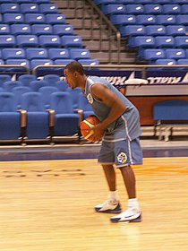 Fenerbahçe werd ook steeds groter in de andere takken. Will Solomon (ex-Memphis Grizzlies) werd in 2006 overgenomen door Fenerbahçe. De Amerikaan werd in 2007 verkozen tot Most Valuable Player van de hoogste Turkse basketbaldivisie.