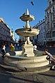 Sparkassenbrunnen, Linz Taubenmarkt 01.jpg