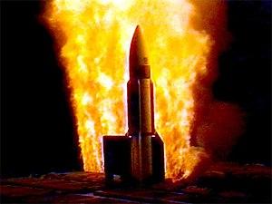 USS Lake Erie (CG-70) - USS Lake Erie launches a Standard Missile III off Kaua'i, Hawaii, 25 January 2001. The RIM-161 Standard missile 3 (SM-3) provides Lake Erie with the capability to shoot down ballistic missiles.