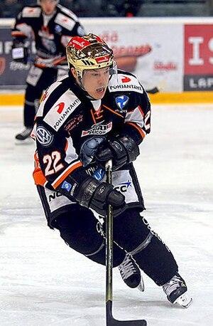 Steve Kariya - Kariya with HPK in December 2008