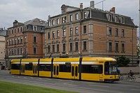 Straßenbahnwagen 2590 Dresden.jpg
