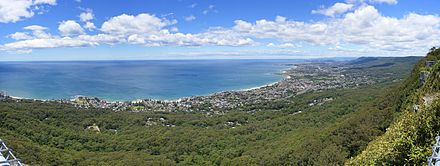 Lookout from the Illawarra escarpment above Wombarra over the northern Illawarra plain viewing Austinmer, Thirroul, Bulli, Wollongong up to Port Kembla in the far distance. Subpointlookout.jpg