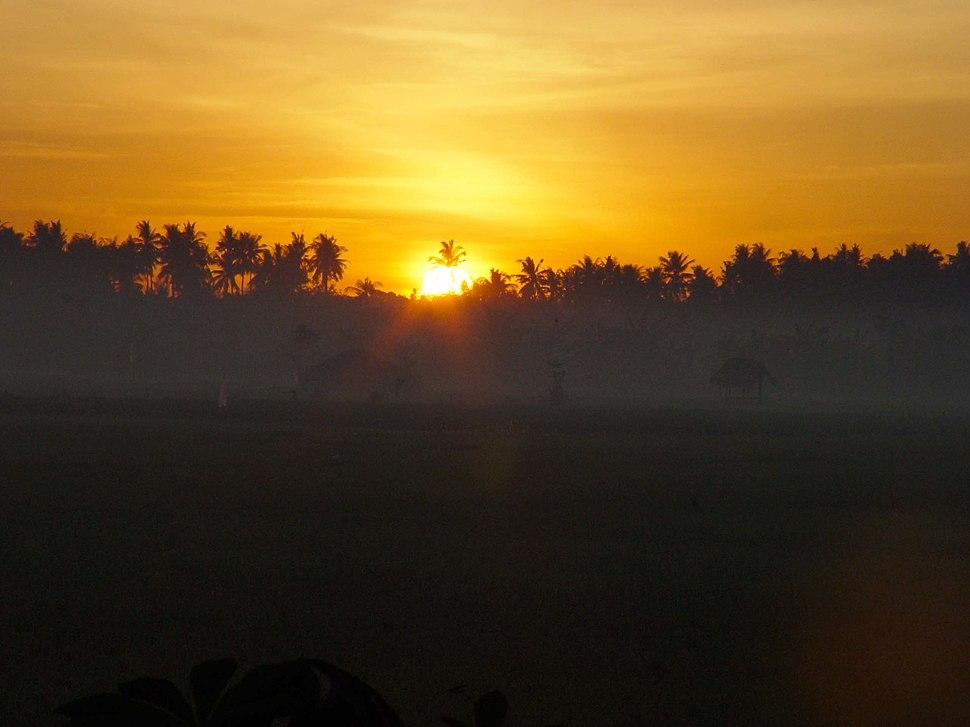 Sunrise of Lovina 200507-3