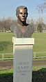 Szűcs Lajos szobor.jpg