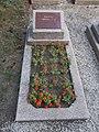 Szovjet katonai temető, százados, 2017 Nyíregyháza.jpg