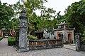 Temple at ancient Vietnamese capital of Hoa Lu (17) (26725235959).jpg