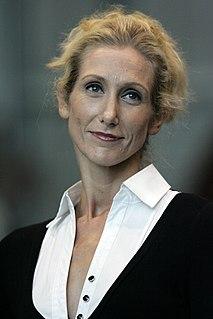 Chloe Dallimore Australian actor, singer and dancer
