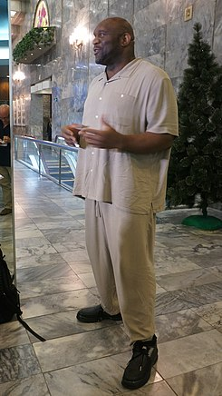 The Beast Bob Sapp at the Koryo Hotel in Pyongyang (16075413271).jpg