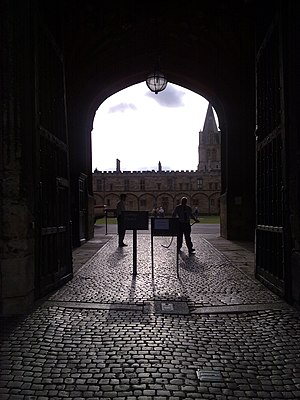 Tom Tower - Tom Gate, the main entrance to Christ Church, beneath Tom Tower, looking in towards Tom Quad.