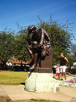 The Gower memorial, shows Hamlet in Bancroft gardens, Stratford-Upon-Avon - geograph.org.uk - 1096601