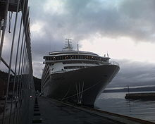 The World at port in Trondheim Aug 2005.jpg