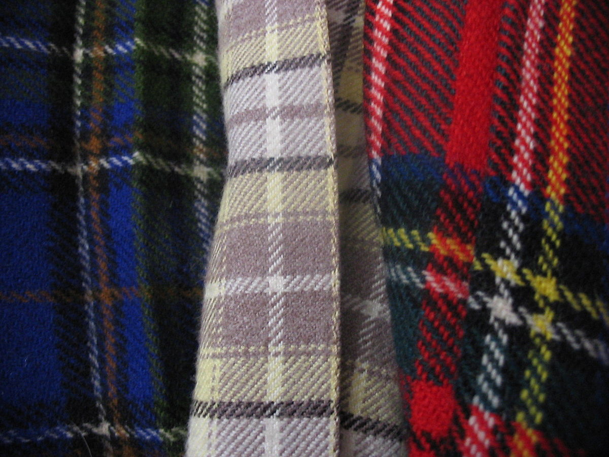 1200px Three tartans