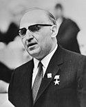 Todor Zhivkov , eerste secretaris Communistische Partij en president van Bulgari, Bestanddeelnr 924-8077 (cropped).jpg