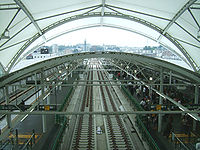 Tokyu-motosumiyoshi-platform-20070707.jpg