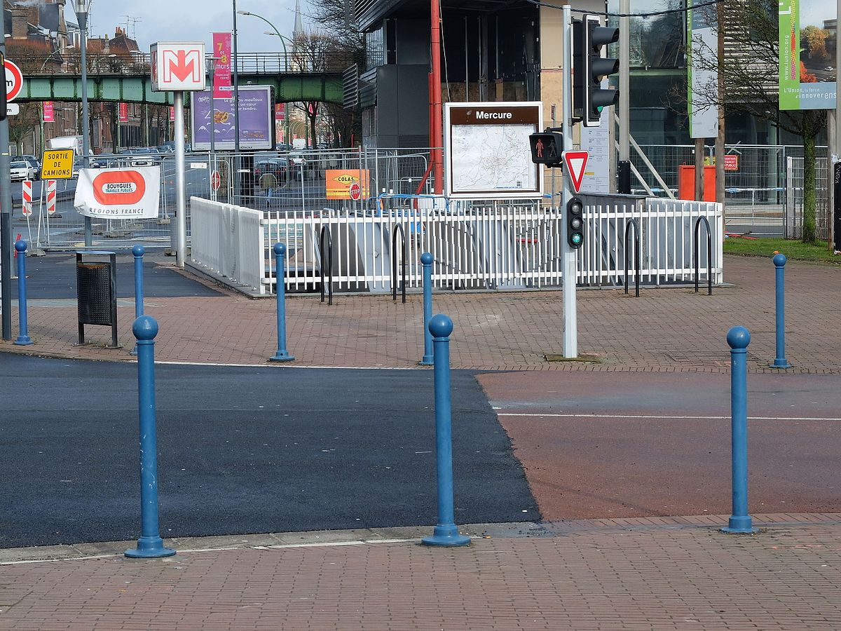 Mercure metrostation wikipedia - Station essence porte des postes lille ...