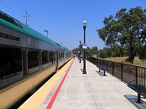 Train at Sonoma County Airport station, August 2018.JPG