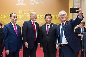 Trần Đại Quang - Turnbull selfie with Tran Dai Quang, Donald Trump, and Xi Jinping