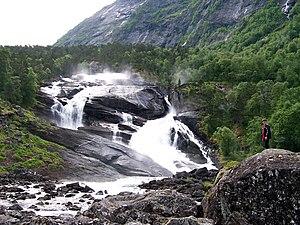 Kinsarvik - Image: Tveitafossen no