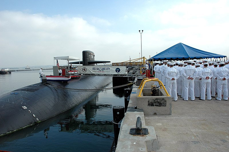File:US Navy 051026-N-1577S-041 The crew of the Los Angeles-class fast attack submarine USS Salt Lake City (SSN 716) stand in ranks during the boat's inactivation ceremony.jpg