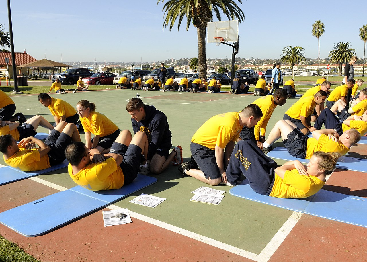 File:US Navy 101110-N-7214P-031 Sailors assigned to Naval Medical ...
