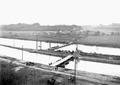 Uebersetzen über Ponton-Brücken beim Elektrizitätswerk - CH-BAR - 3239597.tif