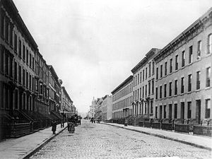 Hoboken, New Jersey - Upper Bloomfield Street between 9th and 10th (1900)