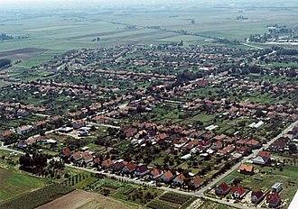 Kecskemét District - Image: Városföld légifotó
