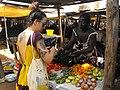 Vendeuse du marché.jpg