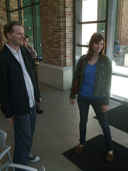 File:Veronica Belmont and Tom Merritt.jpg