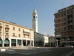 Viadana Piazza Matteotti.JPG