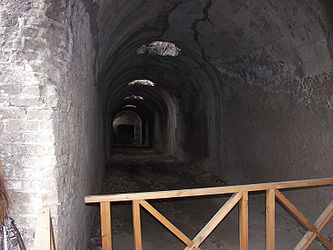 Villa Adriana tunnel near Pretorio.jpg