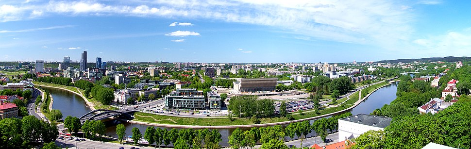 תצלום פנורמי של העיר וילנה (לצפייה הזיזו עם העכבר את סרגל הגלילה בתחתית התמונה)