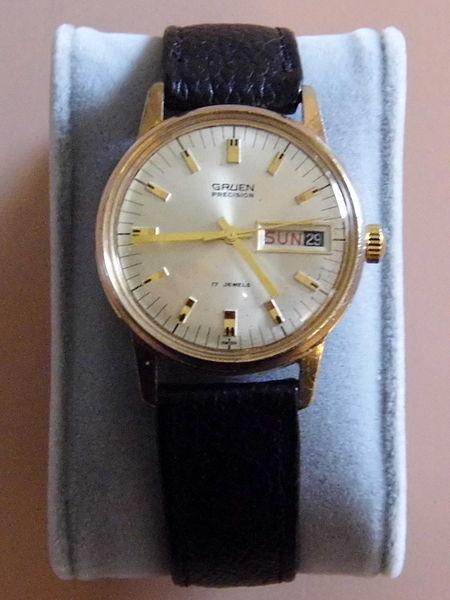 file vintage gruen men 39 s manual wind wrist watch 17. Black Bedroom Furniture Sets. Home Design Ideas