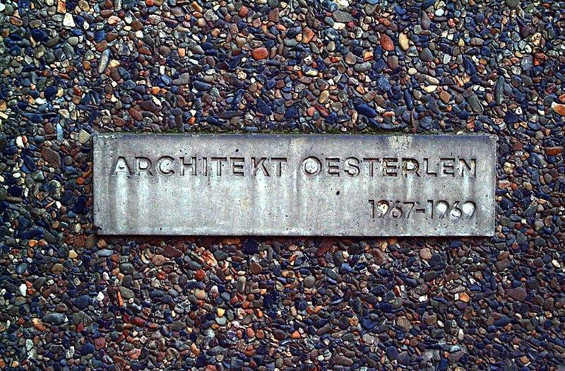 File:VolkswagenStiftung Kastanienallee 35 30519 Hannover Döhren Architekt Dieter Oesterlen 1967-1969.jpg