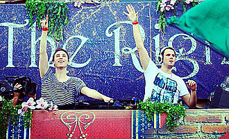 W&W - Image: W&W Tomorrowworld 2013 (Cropped)