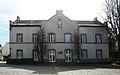 Werl, denkmalgeschütztes Haus, Alte Walburgisschule , Kirchplatz 5..JPG