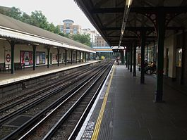 West Kensington stn look east.JPG