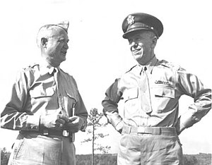 Willis D. Crittenberger - On the left, Major General Willis Crittenberger and, on the right, the U.S. Army Chief of Staff General George Marshall at Fort Benning, Georgia, 1942.