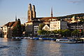 Zürich - Quaibrücke - Grossmünster-Wasserkirche IMG 4424.jpg