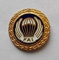 Złota Odznaka Skoczka Spadochronowego FAI.jpg