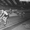 Zesdaagse wielrennen RAI Amsterdam, tweede dag. Koppel Duyndam-Eugen in aktie, Bestanddeelnr 923-0718.jpg
