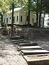 foto van Heldring: vier natuurstenen grafplaten