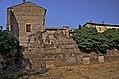 Zona ruderi all'estremità della Rocca.jpg