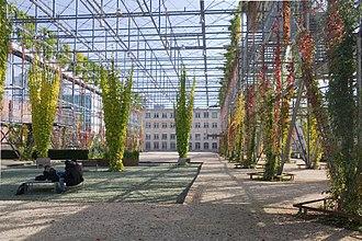 Oerlikon (Zürich) - Image: Zuerich Neu Oerlikon MFO Park innen
