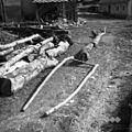 """""""Uojnice"""", za njim vlake, Stranj 14, Gorenje Vrhpolje 1952.jpg"""