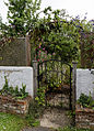 'The Row' Crow St garden gate Henham Essex England.jpg