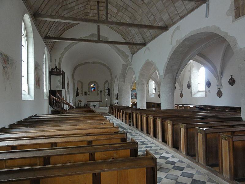 Église Saint-Pierre de Montlivault, intérieur
